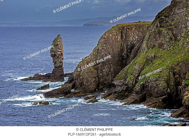 Old Man of Stoer, 60 metres high sea stack of Torridonian sandstone at the Point of Stoer in Sutherland, Scottish Highlands, Scotland