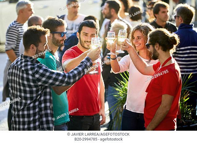 Guide with tourists having a wine, Gaztelubide street, Donostia, San Sebastian, Gipuzkoa, Basque Country, Spain, Europe