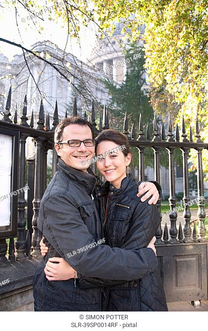 Couple outside St Paul?s Cathedral