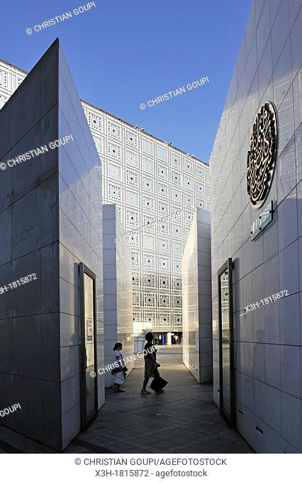 Arab World Institute designed by Jean Nouvel and Architecture-Studio, Paris, Ile-de-France region, France, Europe