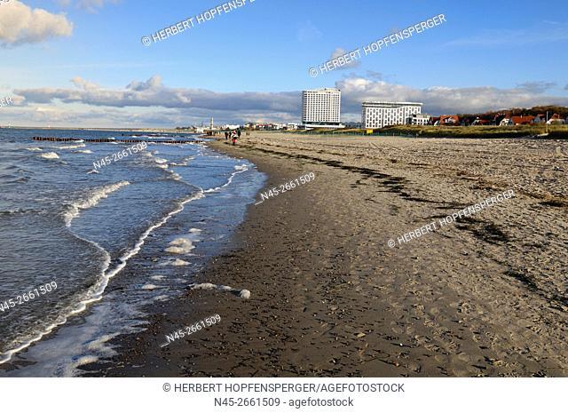 View to Hotel Neptun, Beach, Mansions behind the Dunes, Warnemuende, Mecklenburg-Western Pomerania, Baltic Sea, Germany