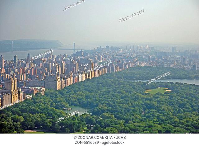 Panorama von der Aussichtsplattform Top of the Rock im Rockefeller Center auf den Central Park und nach downtown Manhattan, Manhattan, New York City, USA