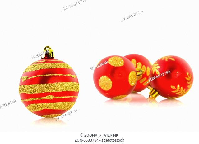 Pinke Christbaumkugeln.Isolated Christmas Ball Stock Photos And Images Age Fotostock
