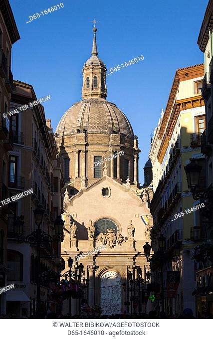 Spain, Aragon Region, Zaragoza Province, Zaragoza, Basilica de Nuestra Senora del Pilar seen from Calle de Alfonso I