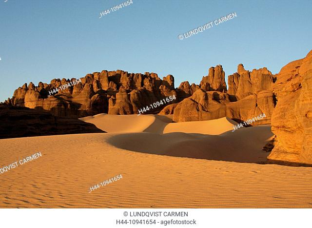 Algeria, Africa, north Africa, desert, sand desert, Sahara, Tamanrasset, Hoggar, Ahaggar, rock, rock formation, Tassili du Hoggar, sand, sand dune