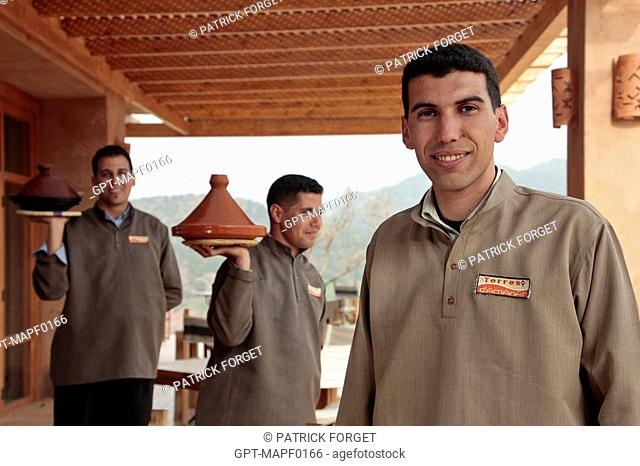 THE TEAM OF WAITERS IN THE TERRES D'AMANAR NATURE PARK, TAHANAOUTE, AL HAOUZ, MOROCCO