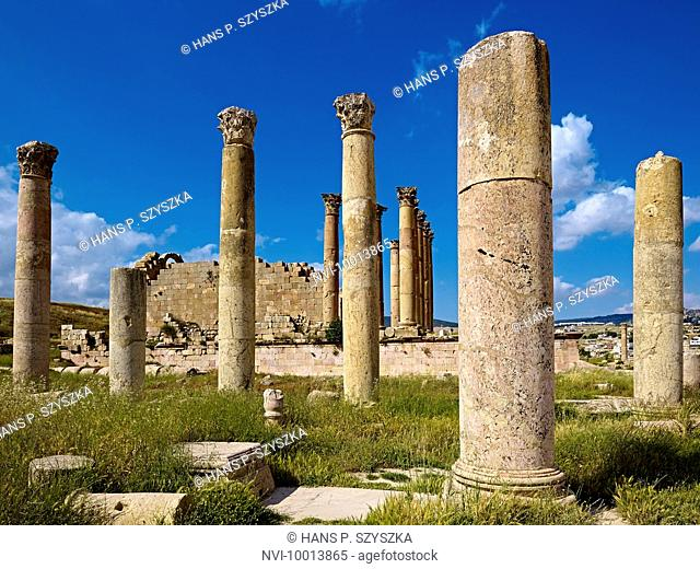 Pillars of the Temple of Artemis in Jerash, Jordan, Middle East