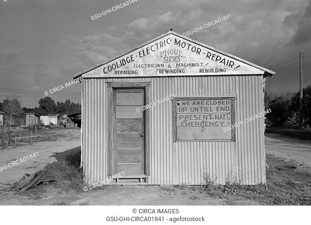 Closed Repair Shop, Coolidge, Arizona, USA, Russell Lee, February 1942