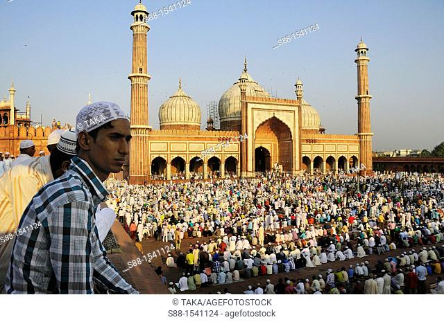 Early in the morning, the end of the day of Ramadan, Jama Masjid Mosque in Old Delhi