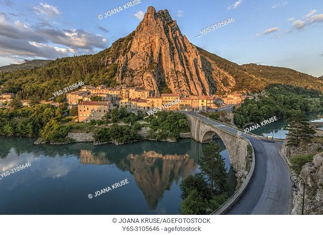 Sisteron, Alpes-de-Haute-Provence, France, Europe