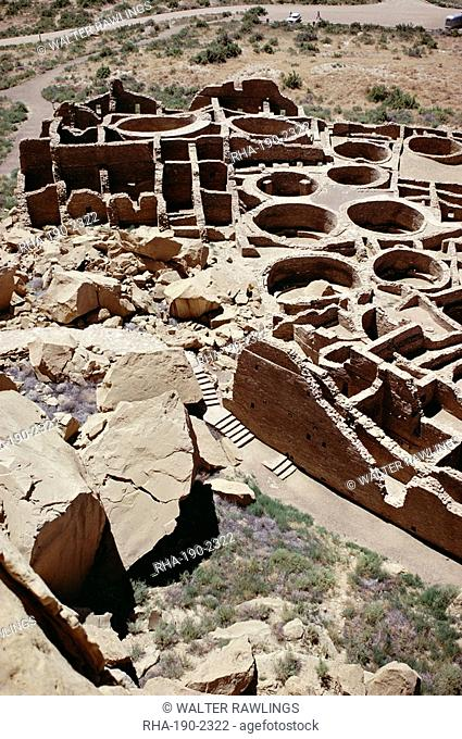 Kivas and rooms, foreground rock fall destroyed part of pueblo, Pueblo Bonito 1000-1100 AD, Anasazi site, Chaco Canyon National Monument, New Mexico
