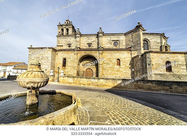 Church and fountain in Navamorcuende. Toledo. Spain. Europe