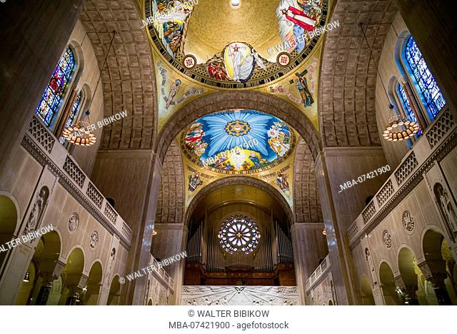 USA, District of Columbia, Washington, Basilica of the National Shrine of the Immaculate Conception, interior