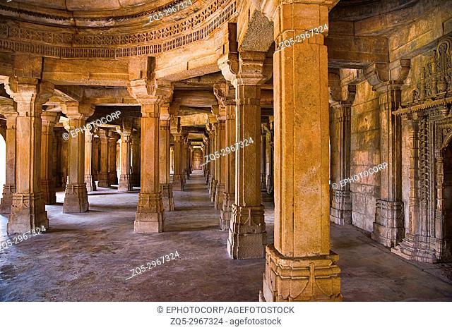 Inner view of Sahar ki masjid, UNESCO protected Champaner - Pavagadh Archaeological Park, Gujarat, India