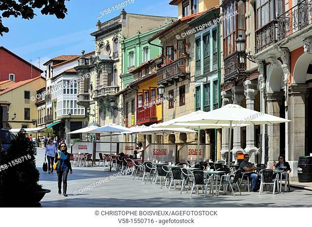 Spain, Asturias, Aviles, Calle Galiana