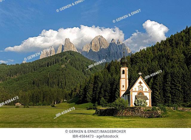 Church St. Johann in Ranui with Odle Group mountain range, Villnöß valley, Alto Adige, Italy