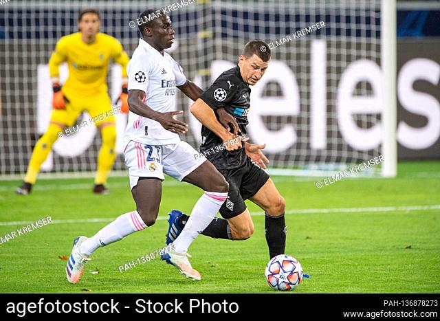 Ferland MENDY (li., REAL) versus Stefan LAINER (MG), action, duels, football Champions League, group stage, group B, matchday 2