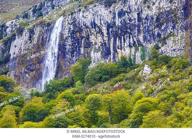 Ason waterfall. Collados del Ason Natural Park. Cantabria, Spain, Europe