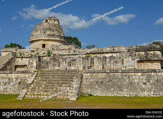 View of the circular building El Caracol, the observatory in the Chichen Itza Archaeological Zone (UNESCO World Heritage Site) on the Yucatan Peninsula in...