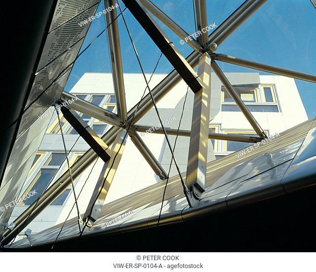 THE SCOTTISH PARLIAMENT, THE ROYAL MILE, EDINBURGH, SCOTLAND, UK, EMBT + RMJM, INTERIOR, UP VIEW THROUGH ROOF LIGHT IN GARDEN LOBBY