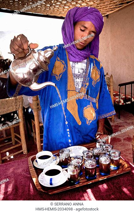 Morocco, Anti Atlas, Draa Valley, Agdz, a village on the road from Marrakech to Tomboctou or Timbuktu, traditional restaurant with traditional Morocco cuisine...