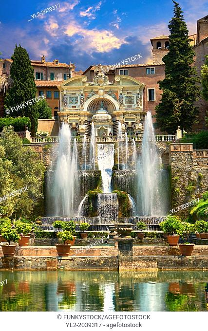 The water jets of the Organ fountain, 1566, housing organ pipies driven by air from the fountains. Villa d'Este, Tivoli, Italy - Unesco World Heritage Site