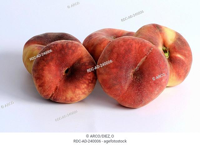 Chinese Flat Peaches / Prunus persica var. platycarpa / Paraguayo, Paraguayan, Mountain Peach