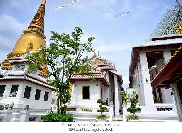 Big Stupa in Wat Bowonniwet, Bangkok, Thailand