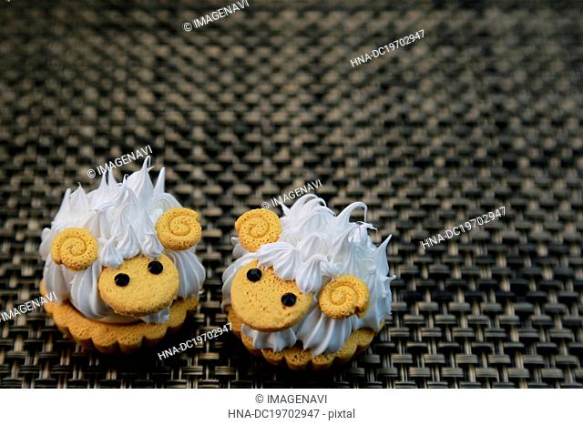 Sheeps of cake