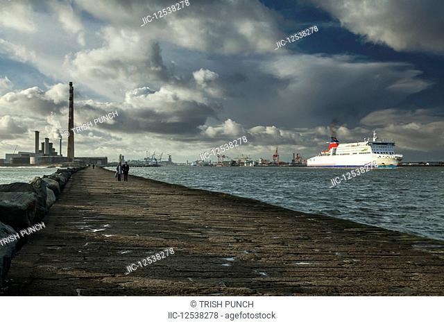 Dublin city port; Dublin, Leinster, Ireland