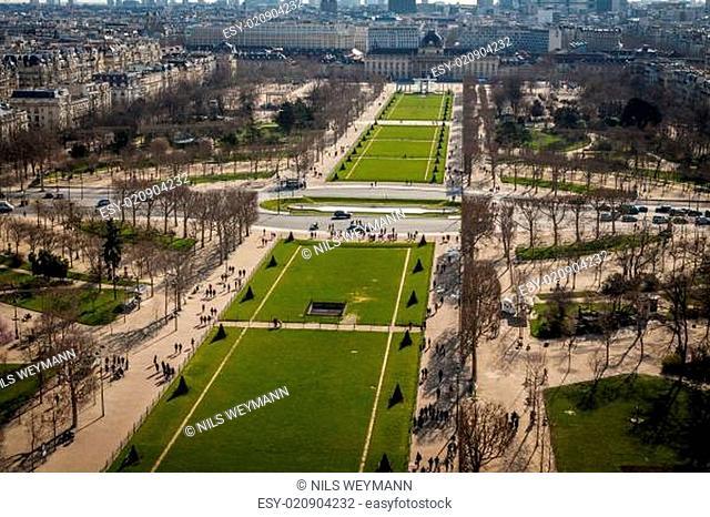 Skyline von Paris mit Stadtbild an der Saine