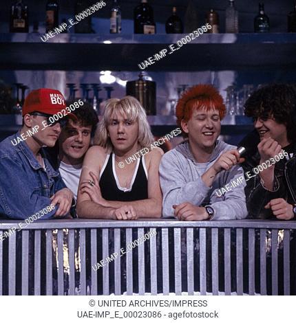 """Die deutsche Musikgruppe """"""""Die Prinzen"""""""" um Sänger Sebastian Krumbiegel (rote Haare), Deutschland 1990er Jahre. German band """"""""Die Prinzen"""""""" with singer..."""