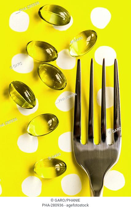 Nutritional supplements, liquid nutritional supplements in capsules with fork