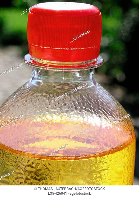 Apple juice with sparkling mineral water