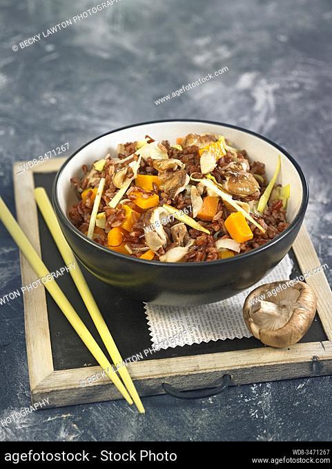 arroz rojo con shiitake / red rice with shiitake