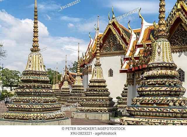 Chedi of the buddhist temple complex Wat Pho, Bangkok, Thailand, Asia