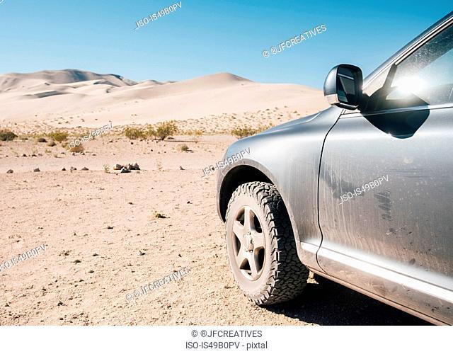 Off road vehicle on Eureka Dunes, Big Pine, California, USA