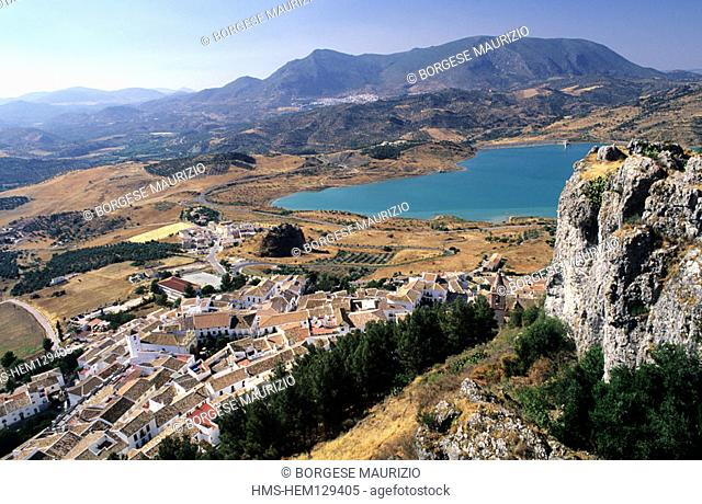 Spain, Andalusia, Zahara de la Sierra village in the nature reserve Sierra de Grazalema