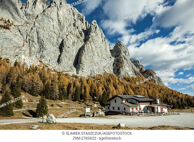 Mountain shelter Sorgenti del Piave, Dolomites, Italy