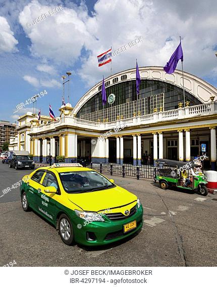 Taxi and tuk-tuk in front of central station, Hua Lamphong Railway Station, Chinatown, Bangkok, Thailand