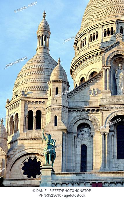 France, Paris, hill of Montmartre, Basilica of the Sacred Heart, architecture detail