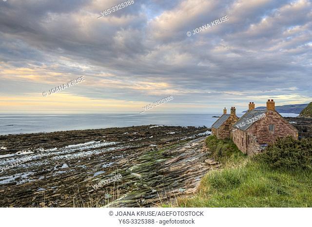 Cove, Cockburnspath, Berwickshire, Scotland, UK, Europe