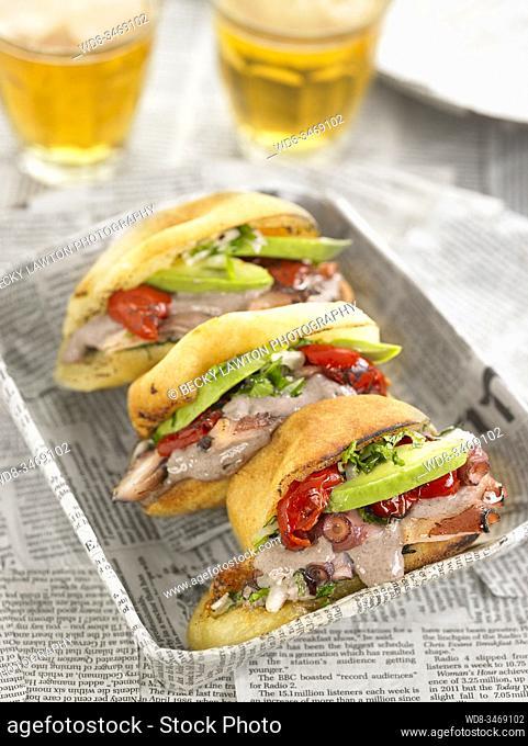 sandwichito de pulpo / octopus sandwich