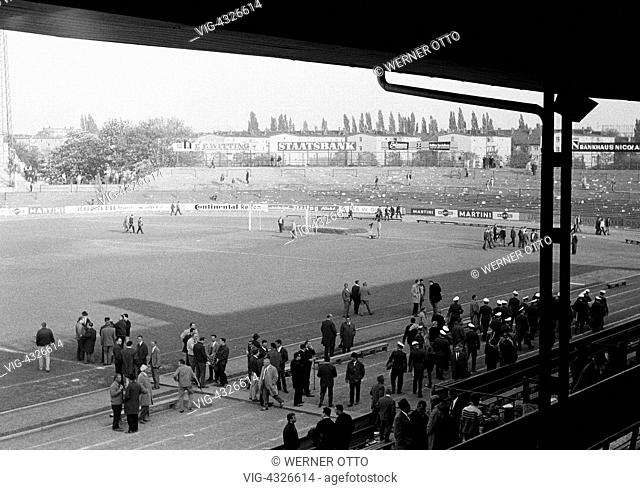 Fussball, Bundesliga, Saison 1966/1967, Stadion an der Hamburger Strasse in Braunschweig, Eintracht Braunschweig gegen Borussia Moenchengladbach 2:1