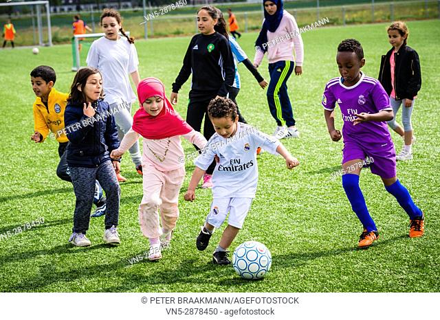 Oudenbosch - Cultural & Islamic Youth Movement ODB organized the Ramadan soccer tournament at Victoria 0'3 (peace, security, sociability, respect, equality