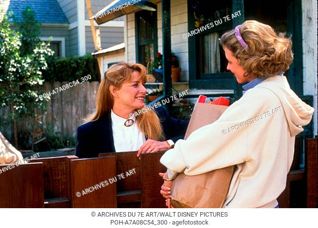 Cherie J Ai Retrecit Les Gosses Honey I Shrunk The Kids 1989 Usa Marcia Strassman Director Joe Stock Photo Picture And Rights Managed Image Pic Poh A7a08c54 300 Agefotostock