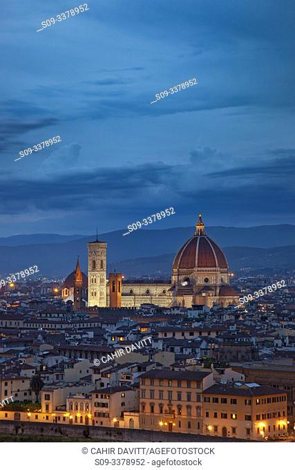 City panorama view of Florence at twilight viewed from Piazzale Michelangelo, San Niccolo, Badia A Ripoli, Firenze, Tuscany, Italy