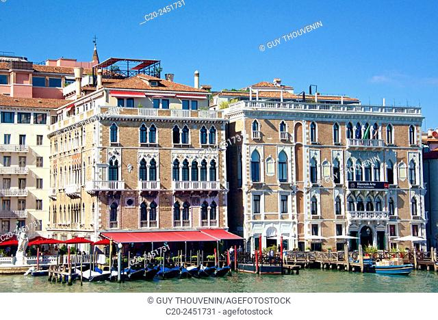 Hotel Bauer, Palace facades, gondolas, Canal Grande, Venice, Venetia, Italy