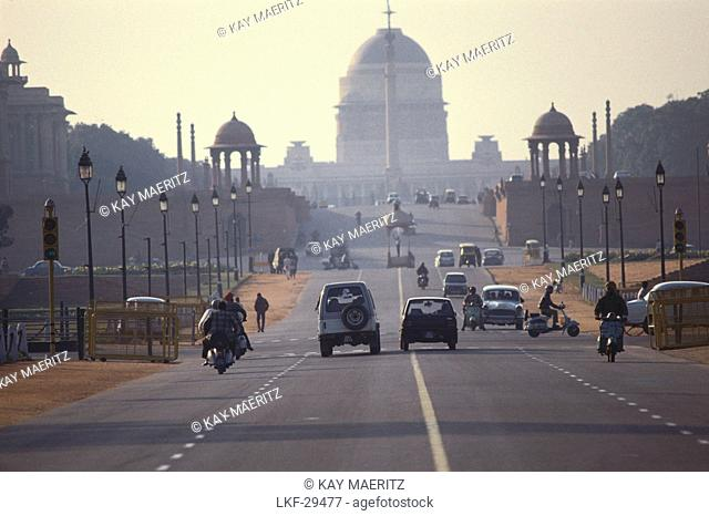View at street and government building in the morning, Rajpath, New Delhi, India, Asia