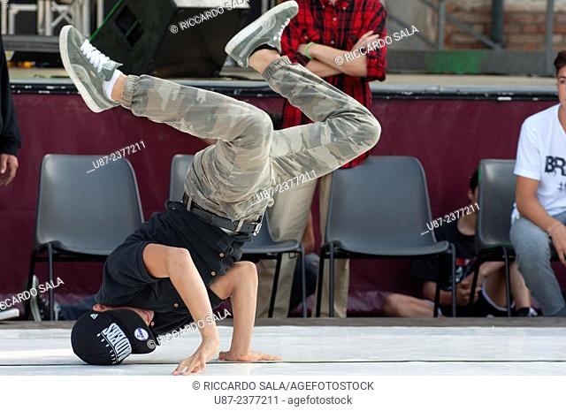 Italy, Lombardy, Breakdance